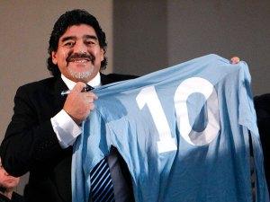 Maradona: Messi es un gran chico, pero el mejor soy yo