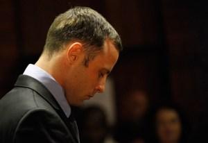 Pistorius deja de entrenar por estar en profundo duelo