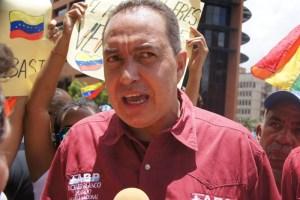 Richard Blanco dijo que el régimen quiere utilizar su show electoral como un arma de destrucción