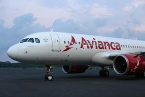 Colombianos que viajaban en un vuelo de Avianca se quedaron varados en México