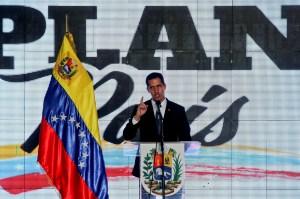 Plan País tiene un proyecto para recuperar la industria petrolera tras el cese de la usurpación