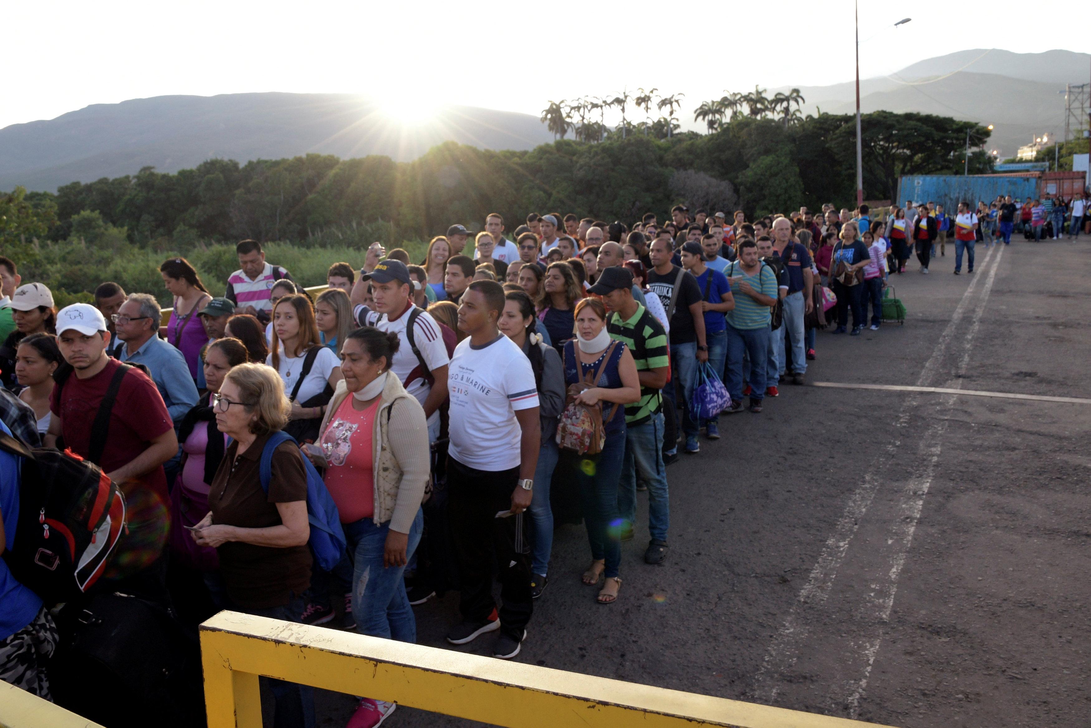 FMI: La inmigración venezolana estimula la economía de Colombia