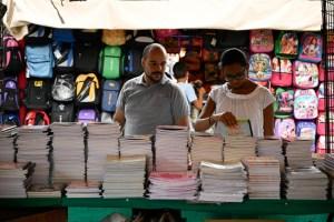 Ventas de libros siguen bajas en vísperas del inicio de clases en Venezuela