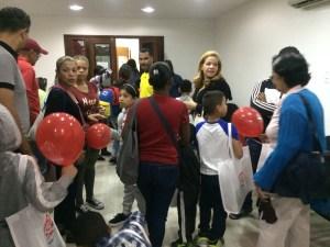 Excelsior Gama visitó a los niños del Proyecto Caracas para celebrar el Día de Reyes