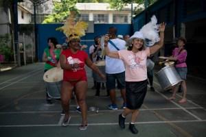 """Loucura Suburbana"", la agrupación terapeútica del carnaval de Río"