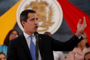 """Guaidó pide más sanciones a """"financiadores de corruptos y violadores de DDHH"""" en Venezuela"""