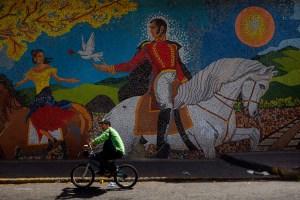 Simón Bolívar ha renacido en Venezuela (Fotos)