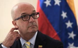 Simonovis contundente: El régimen aún respira por la herida en relación a mi fuga