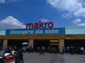 Atención comerciantes: Antisociales perpetraron un robo en Makro La Yaguara para llevarse las divisas