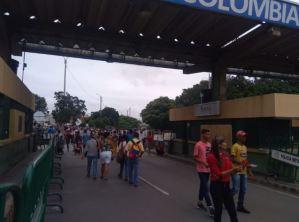 Así se encuentra el paso por el puente internacional Simón Bolívar #22Feb (Fotos)