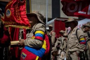 """Abuela miliciana que criticó a Maduro fue visitada por la Fanb y tratada como """"demente"""""""