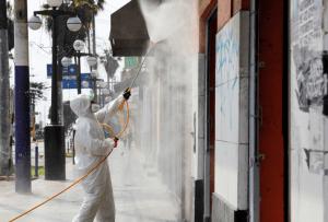 La pandemia mantiene su fuerte impacto en Perú que se acerca a los 5.000 fallecidos