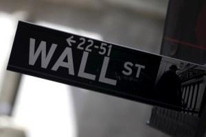 Wall Street cierra en baja, lastrada por tomas de beneficios