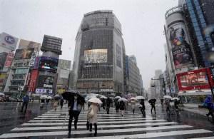 Contagios de Covid-19 se aceleran en Tokio pese a recomendación de no salir
