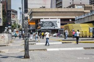 Las dos caras de una Caracas en cuarentena (Video)