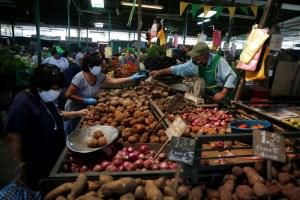 Perú aprueba segunda fase de retorno para reactivar economía