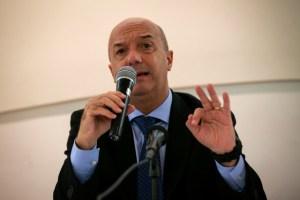 """El """"próximo paso"""" que planteó Simonovis para extraditar venezolanos requeridos por la justicia internacional"""