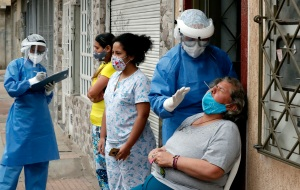 Las muertes por Covid-19 siguen en aumento en Colombia, con 325 nuevas