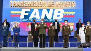 """Maduro le dio """"las gracias"""" a los comandantes que removió de la cúpula militar"""