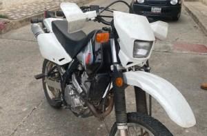 Abatidos dos delincuentes que se robaron una moto de la BAE