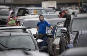 """En Maturín, ciudadanos exigieron venta de combustible en semanas """"radicales"""""""