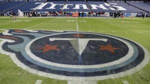 Al menos tres jugadores de los Tennessee Titans y cinco empleados del equipo dan positivo por Covid-19