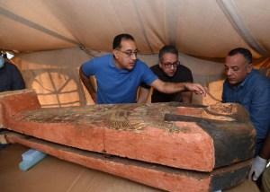 Descubren en Egipto más de 80 sarcófagos decorados y sellados de 2.500 años de antigüedad (Fotos)