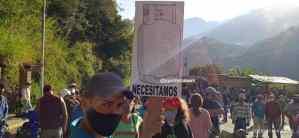 Trancan la carretera trasandina, merideños reclaman despacho de gas doméstico #24Nov (FOTOS)