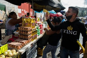 """Ni los precios """"se alteraron"""" tras el aumento salarial impuesto por el régimen chavista"""