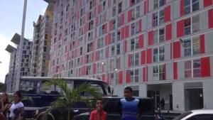 El acoso en una Misión Vivienda de Montalbán empezó temprano para validar el fraude electoral de Maduro (Imágenes)