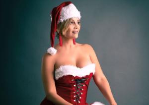 Rojita como Santa Claus y sensual como más nadie: La señora más sexy de Venezuela nos tiene otro regalito (FOTO)