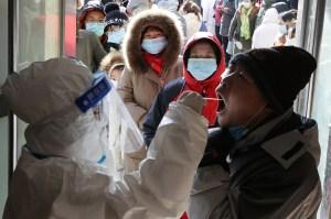 China evalúa mezclar vacunas contra Covid-19 para mejorar tasas de protección