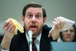 Joe Biden designó al exjefe de la FDA, David Kessler, para dirigir la ciencia de las vacunas