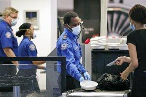 Aerolíneas estadounidenses prohibieron las armas en el equipaje de los vuelos con destino a Washington