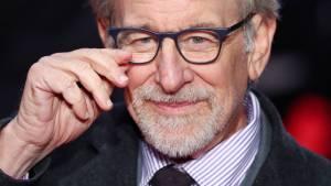 Tras criticar a la plataforma, Steven Spielberg firmó un contrato con Netflix