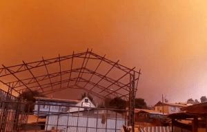 Incendio forestal descontrolado amenaza viviendas en la región chilena de Valparaíso