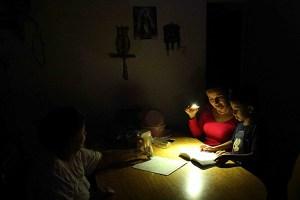 Reportan varias zonas de Valencia sin energía eléctrica #30Jul