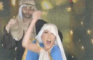 Cantante mexicana Yuri fue criticada por bailar disfrazada de Virgen María (VIDEO)