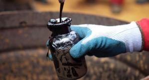 Precios del petróleo se estancan por el Covid-19 que afecta la demanda