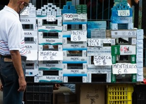 El contrabando de cigarros está minando el mercado venezolano con más de 130 marcas
