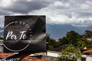 Venezolanos continúan emprendiendo en tiempos de cuarentena: Sazón desde casa (Video)
