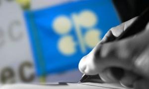 El petróleo cae un 5% por aumento de la oferta de la Opep y casos de Covid-19