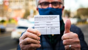Alertaron sobre falsas tarjetas de vacunación en EEUU (Video)