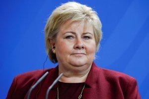 Multada la primera ministra de noruega por infringir norma antiCovid con una cena de cumpleaños