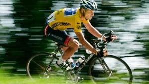 Escándalo en el ciclismo mundial: Lance Armstrong fue acusado de usar un motor en su bicicleta