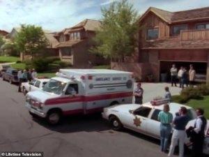 Investigadores usaron una botella de agua tomada durante un vuelo para arrestar a un sospechoso de asesinato en un caso de 1985