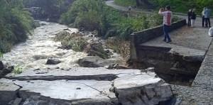 Así quedaron algunas viviendas y carretera afectadas por las lluvias en Mérida #8Abr (Fotos y Video)