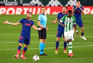 Atlético araña un punto ante el Betis para mantenerse en el liderato