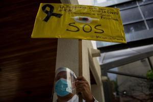 Vacunarse contra el Covid-19 en Venezuela: Buscar alternativas entre el mercado negro y viajes al exterior