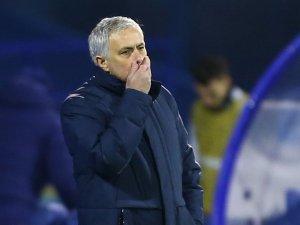 Mourinho se enteró en plena rueda de prensa de la muerte de Felipe de Edimburgo (Video)